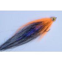 Schwarz, oranger Streamer für Hecht und Raubfische